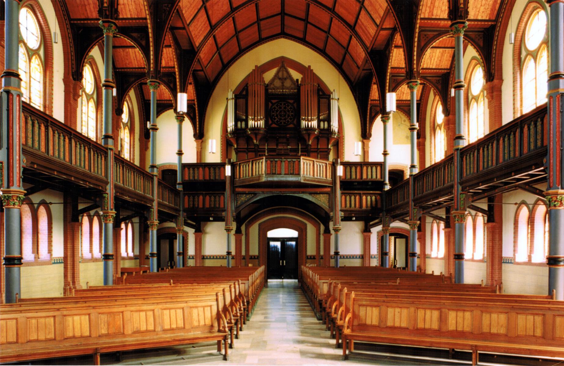 alte Kirche Altenessen_mittelschiff und orgel